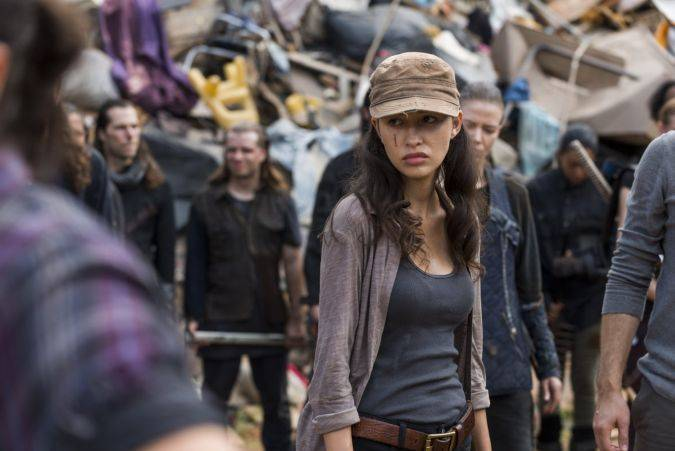 the walking dead christian serratos rosita