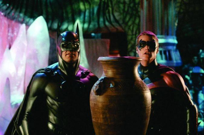 batman and robin pezones traje