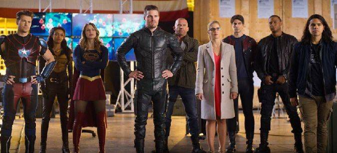 crossover the flash arrow supergirl legends of tomorrow
