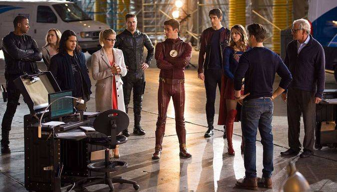 crossover the flash arrow legends of tomorrow supergirl
