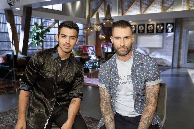the voice temporada 13 joe jonas adam levine