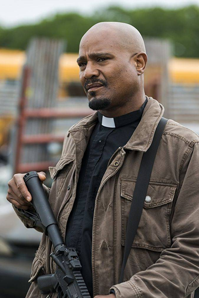 the walking dead 8x01 padre gabriel