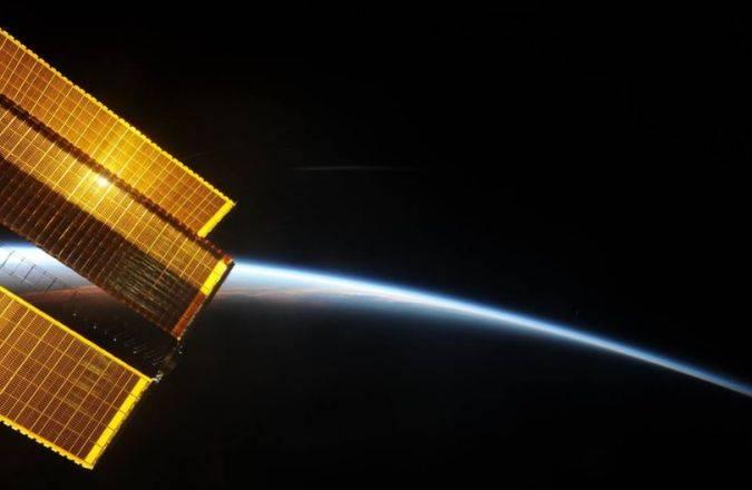 Así se ve el amanecer en el espacio desde la EEI