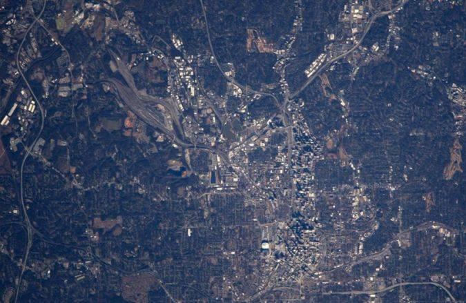 NASA muestra cómo se ve desde la EEI la ciudad natal de Martin Luther King