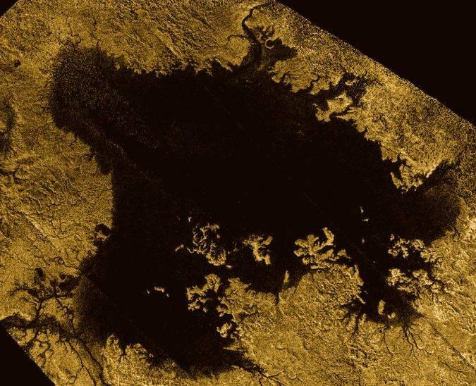 Luna de Saturno también tiene nivel del mar como la Tierra