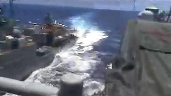 buque de guerra,Armas de guerra