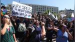 Chile: empleados públicos paran labores en protesta por despidos | FOTOS - Noticias de salud pública