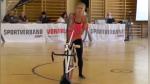 Su increíble habilidad dejó boquiabierto al jurado de una competencia de ciclismo artístico - Noticias de ciclismo