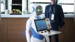 Enjoy Budapest, la primera cafetería atendida por meseros robots en Hungría - Noticias de robot