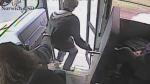 Conductora de autobús salva a escolar de ser atropellado con sus rápidos reflejos - Noticias de atropellado