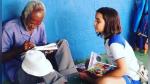 Niña de 9 años le enseña a leer y a escribir a un anciano varias décadas mayor que ella - Noticias de el principito