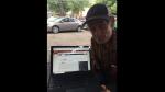 Hombre sin techo vuelve a la universidad para terminar la carrera que abandonó hace más de 40 años - Noticias de becas