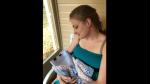 Acaba de hacer su tesis y celebra tomándose fotos como si fuera su bebé recién nacida - Noticias de jurado