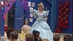 Toda una escuela aprendió lengua de signos para darle la bienvenida a una alumna con discapacidad auditiva - Noticias de alumna