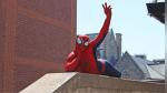 ¿Spider-Man dejó de luchar contra el crimen para limpiar tejados? - Noticias de youtube