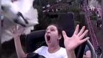 """El espeluznante """"cara a cara"""" entre un ave y una mujer en una montaña rusa - Noticias de dc"""