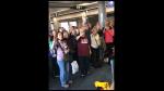 La conmovedora despedida de un piloto en el último vuelo antes de su retiro - Noticias de avión