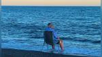 ¿Por qué se ha hecho viral esta foto de un anciano sentado frente al mar? - Noticias de agua
