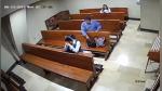 Ladrón roba celular a mujer que rezaba en iglesia pero lo más indignante vino después - Noticias de virales