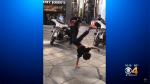 Niño reta a policía a duelo de baile y su respuesta sorprende en redes sociales - Noticias de motocicletas
