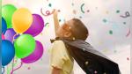 Niño con autismo iba a pasar solo su cumpleaños hasta que un equipo de fútbol americano le dio la sorpresa de su vida - Noticias de asombroso