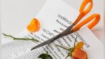 Una corte ordenó a un hombre a pagarle casi 100 mil dólares a la mujer con la que legalmente nunca estuvo casado - Noticias de texas