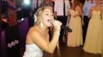Novia canta 'Don't stop believing' de Journey en su propia boda y su actuación remece las redes sociales - Noticias de viral